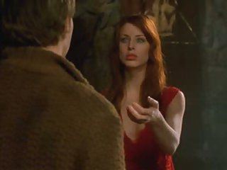 Hawt Blue-Eyed Brunette Diane Neal Looking Actually Hot As a Vampire