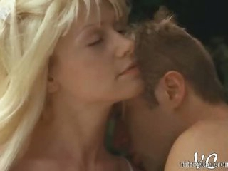 Perfect Blond Chick Beverly Lynne Shows Her Juicy Boobs and Sexy Ass