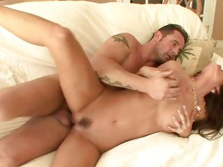 Slapper Tabitha Stevens enjoys a rough pussy fucking