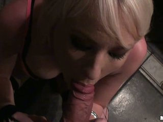 Ex Girlfriend doing a oral pleasure to a hard dick