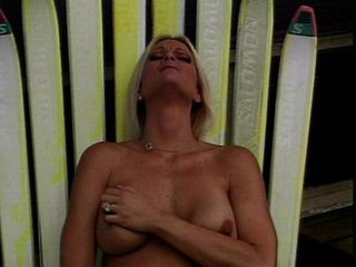 Outdoor Brooke Hunter clit rubbing is fascinating