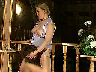 Sara&Stella pussyloving mama on clip