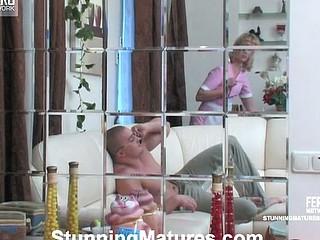 Emilia&Nicholas pretty mama in action
