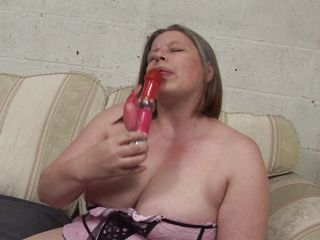 european mature and her big dildo