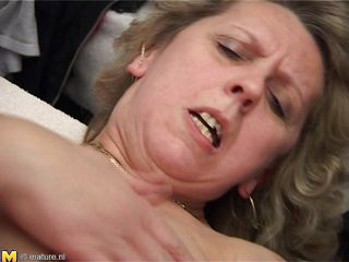 blonde mature mom getting fucked hard