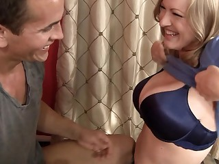 Horny milf is doing a striptease ergo she could have some sex