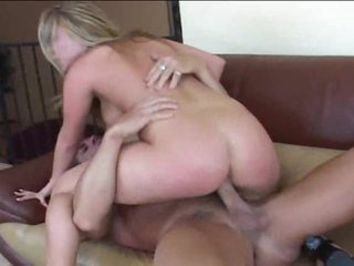He puts a creampie in the sexy blonde