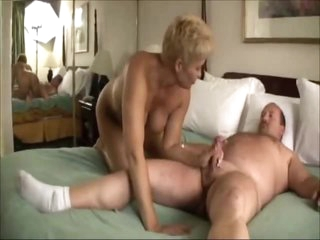 Older couple fucking in the hotel room